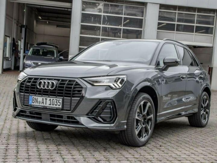 Audi Q3 S LINE  gris métallisé  - 1