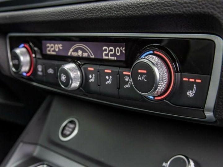 Audi Q3 S LINE  gris métallisé  - 7