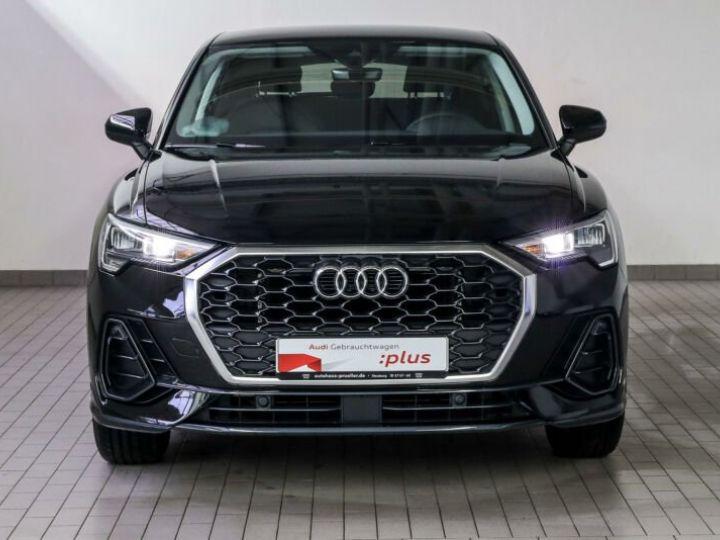 Audi Q3 Sportback noire - 1