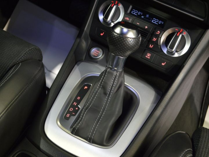 Audi Q3 Superbe 2.0 tdi 177ch quattro stronic SLINE plus 1ere main DAYTONA 19 KEYLESS GO GPS MMI... GRIS DAYTONA - 11
