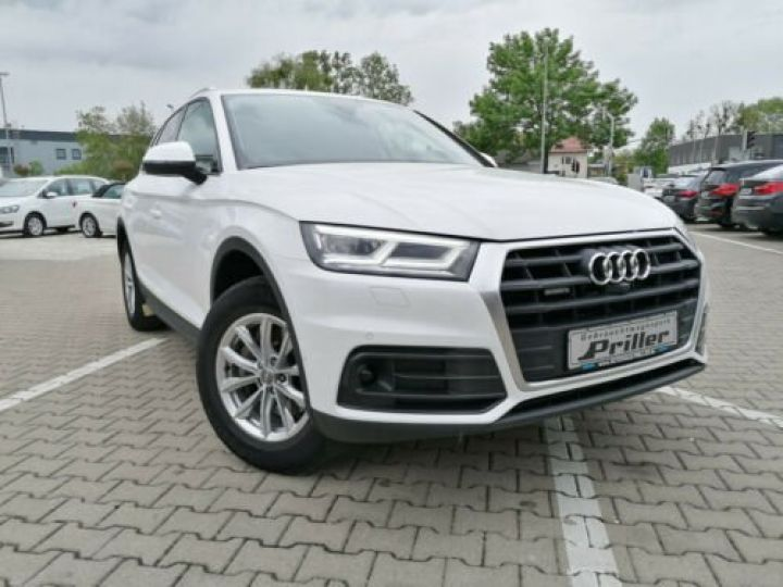 Audi Q5 2.0 TFSI Quattro GPS/Toit Panoramique/Phare LED/ Cockpite Virtuel /Régulateur adaptatif / Garantie 12 mois  Blanc - 2