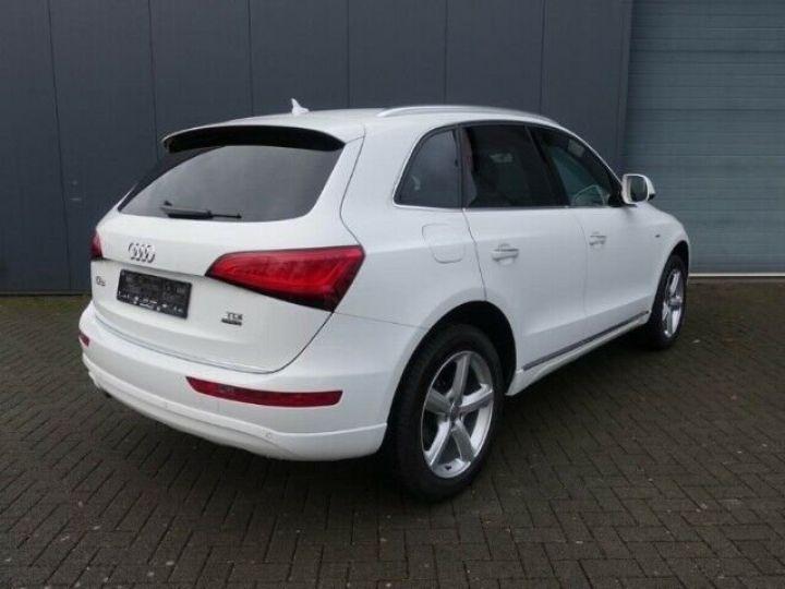 Audi Q5 2.0L TDI QUATTRO S LINE  BLANC - 4