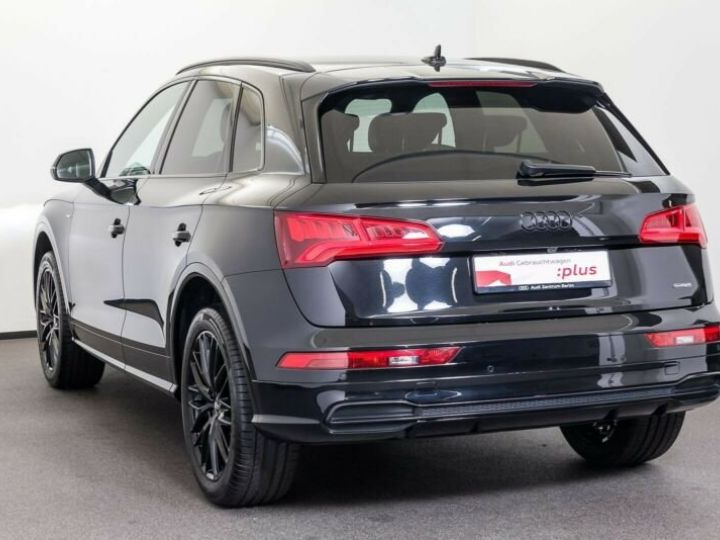 Audi Q5 SLINE noir - 2