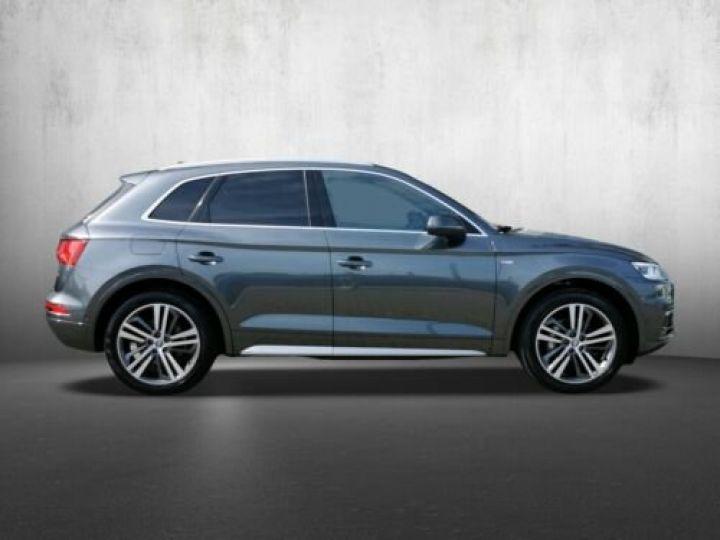 Audi Q5 Sport 2.0L TDI + Phare LED MATRIX / Finition S LINE / Toit PANO / Regulateur de adaptatif /Enceinte B&O / GPS / Garantie 12 mois / Gris métallisée  - 2