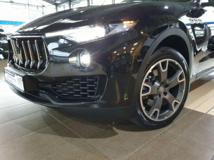 Audi Q5 Sportback Audi Q5 2.0 TDI quattro S-line/gps/Garantie 12 mois/  gris foncé - 11