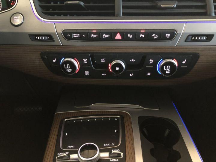 Audi Q7 3.0 TDI 272 CV AVUS QUATTRO 7PL Gris - 8