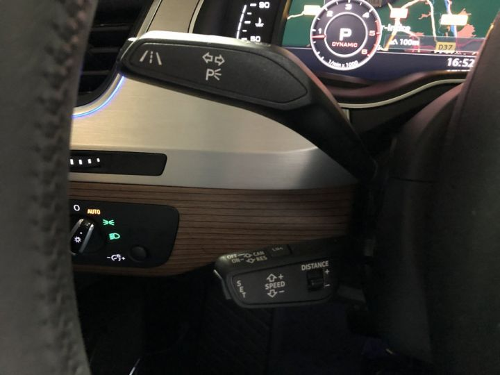 Audi Q7 3.0 TDI 272 CV AVUS QUATTRO 7PL Gris - 9
