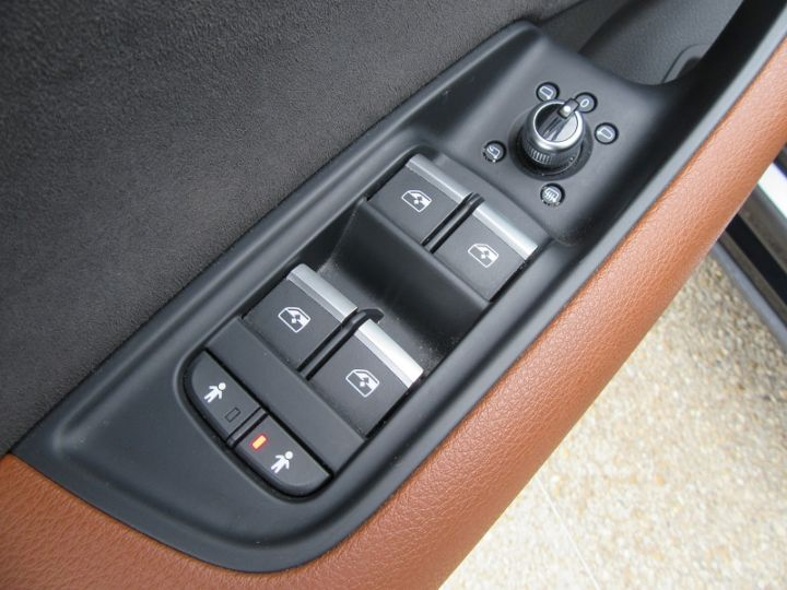 Audi Q7 3.0 V6 TDI 373CH E-TRON AVUS EXTENDED QUATTRO TIPTRONIC Bleu Nuit Occasion - 13