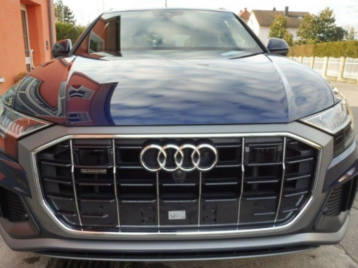 Audi Q8  50 TDI 286 quattro S-Line TIPTRONIC /02/2019 bleu métal - 3