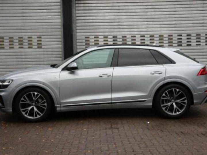 Audi Q8 50 TDI quattro S-LINE  - 2