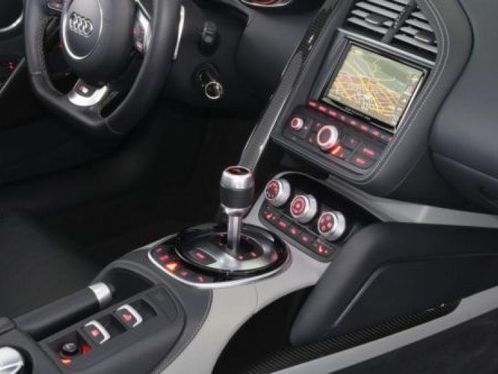 Audi R8 5.2 V10 FSI 525CH QUATTRO TRONIC 7 GRIS Occasion - 11