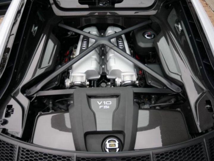 Audi R8 5.2 V10 FSI 610CH PLUS QUATTRO S TRONIC 7 GRIS Occasion - 8
