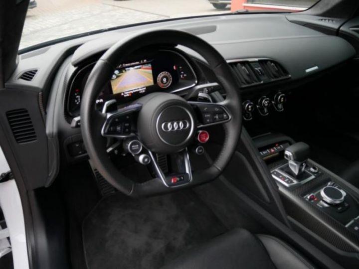Audi R8 5.2 V10 FSI 610CH PLUS QUATTRO S TRONIC 7 GRIS Occasion - 10