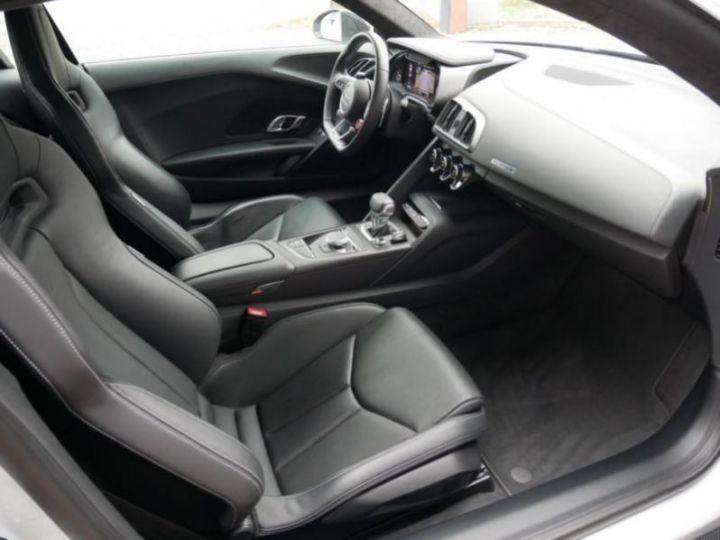 Audi R8 5.2 V10 FSI 610CH PLUS QUATTRO S TRONIC 7 GRIS Occasion - 11