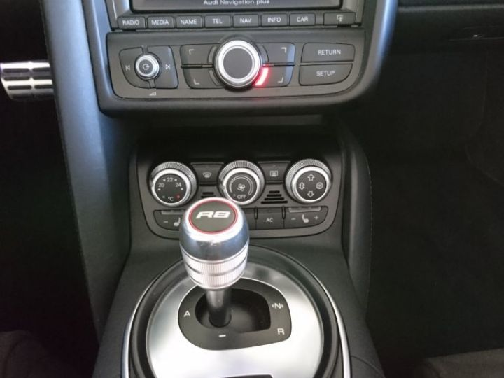 Audi R8 Spyder 5.2 V10 FSI 525 CV QUATTRO BVA Blanc - 8