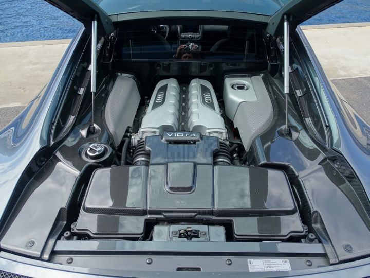 Audi R8 V10 PLUS COUPE 5.2 FSI QUATTRO 550 CV - FULL CARBONE - MONACO GRIS METAL - 12