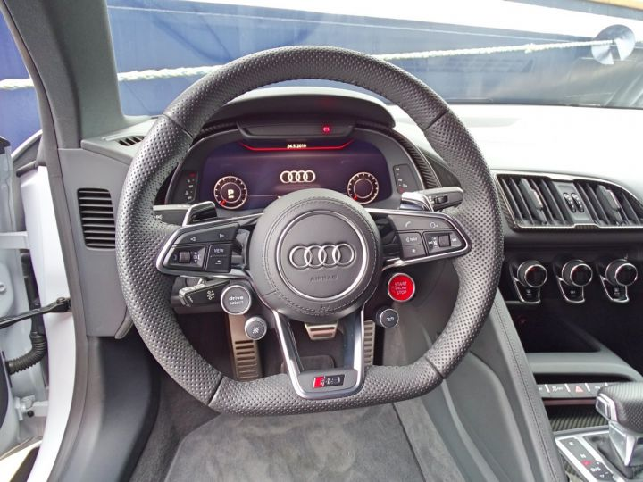 Audi R8 V10 PLUS COUPE 5.2 FSI QUATTRO 610 CV - MONACO Gris Suzuka Métal - 7