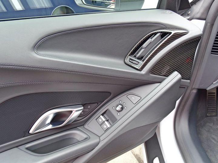 Audi R8 V10 PLUS COUPE 5.2 FSI QUATTRO 610 CV - MONACO Gris Suzuka Métal - 10