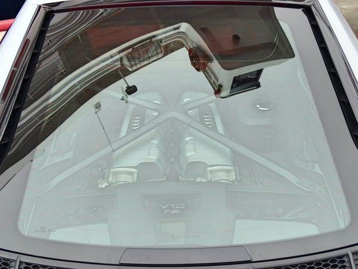 Audi R8 V10 PLUS COUPE 5.2 FSI QUATTRO 610 CV - MONACO Gris Suzuka Métal - 18