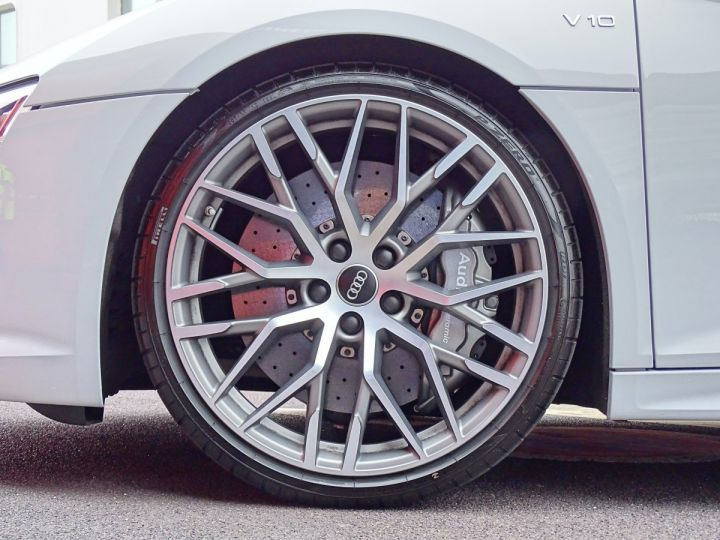 Audi R8 V10 PLUS COUPE 5.2 FSI QUATTRO 610 CV - MONACO Gris Suzuka Métal - 19