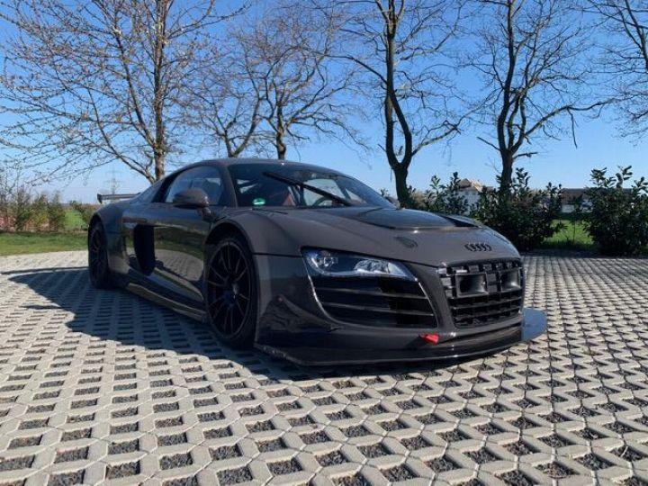 Audi R8 V10 Plus / GT-R  - 12