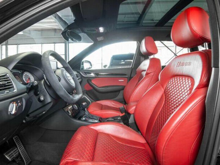 Audi RS Q3 noir  - 9
