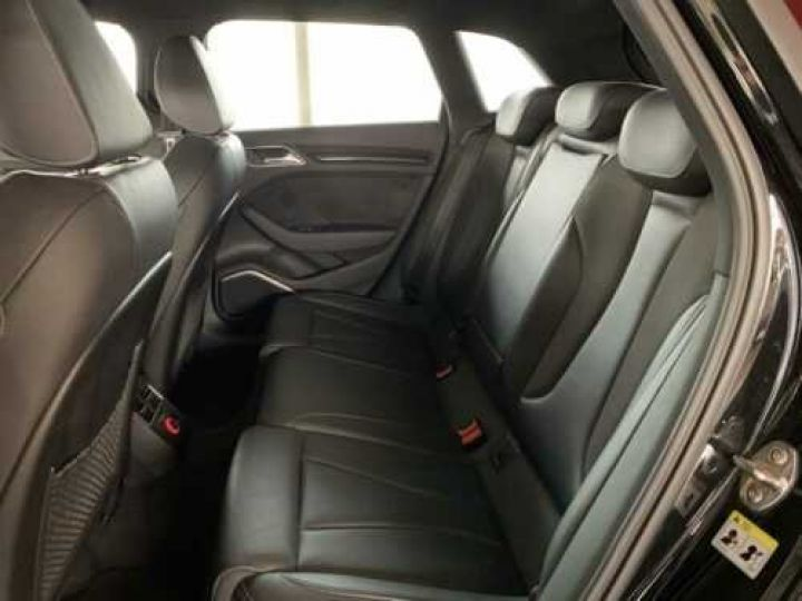 Audi RS3 NOIR - 6