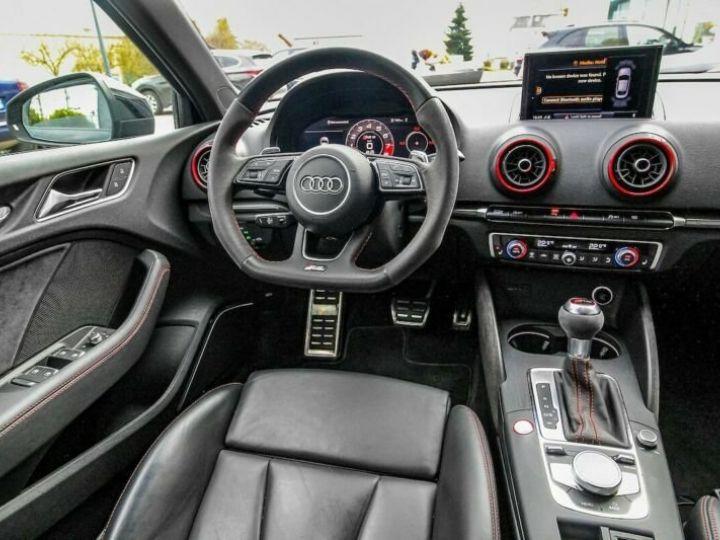 Audi RS3 noire - 8