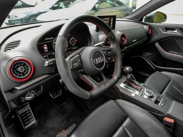 Audi RS3 noire - 9