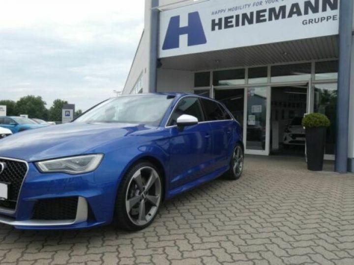 Audi RS3 Bleu - 1