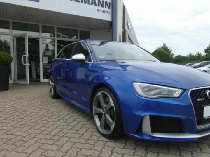 Audi RS3 Bleu - 3