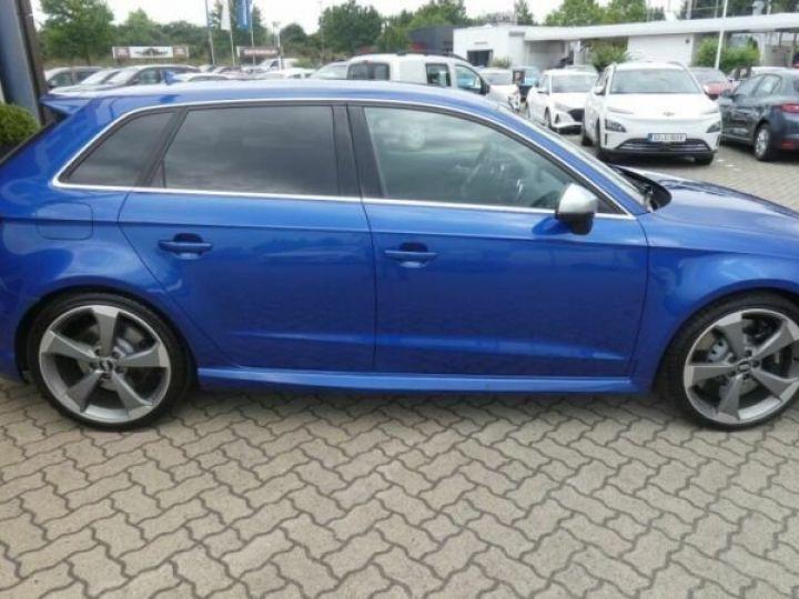 Audi RS3 Bleu - 4