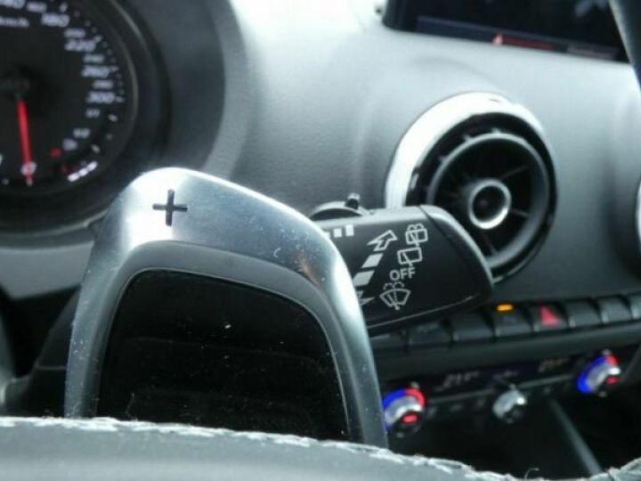 Audi RS3 Bleu - 16