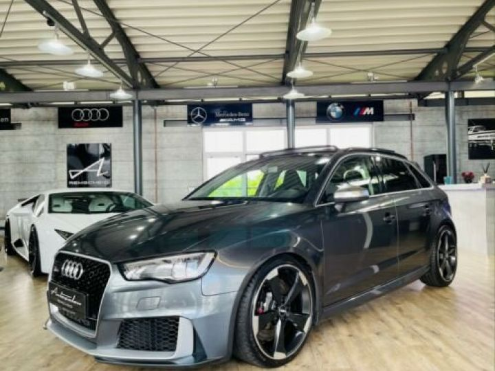 Audi RS3 Noir métallisée  - 1