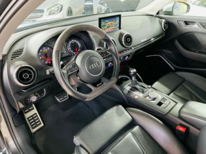 Audi RS3 Noir métallisée  - 13