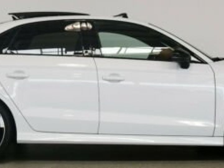 Audi RS3 Limousine 2.5 TFSI quattro S tronic  - 5