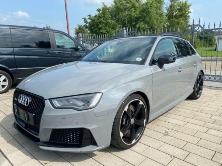 Audi RS3 Toit Panoramique / Sièges RS / Caméra de recul / Enceinte B&O / Echappement RS Gris nardo - 3