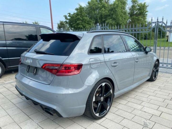 Audi RS3 Toit Panoramique / Sièges RS / Caméra de recul / Enceinte B&O / Echappement RS Gris nardo - 13
