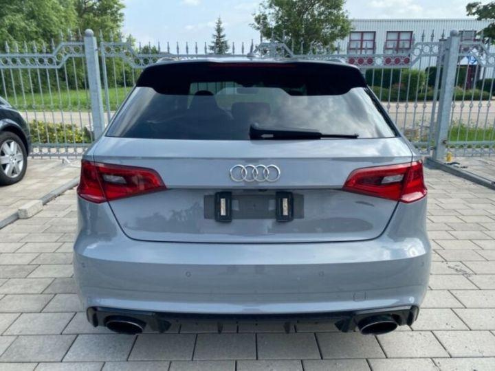 Audi RS3 Toit Panoramique / Sièges RS / Caméra de recul / Enceinte B&O / Echappement RS Gris nardo - 14