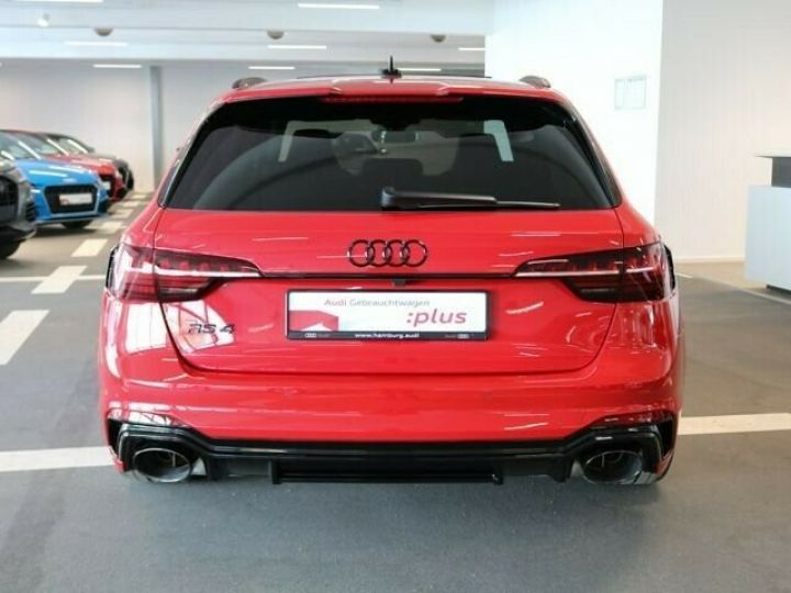 Audi RS4 Rouge - 3