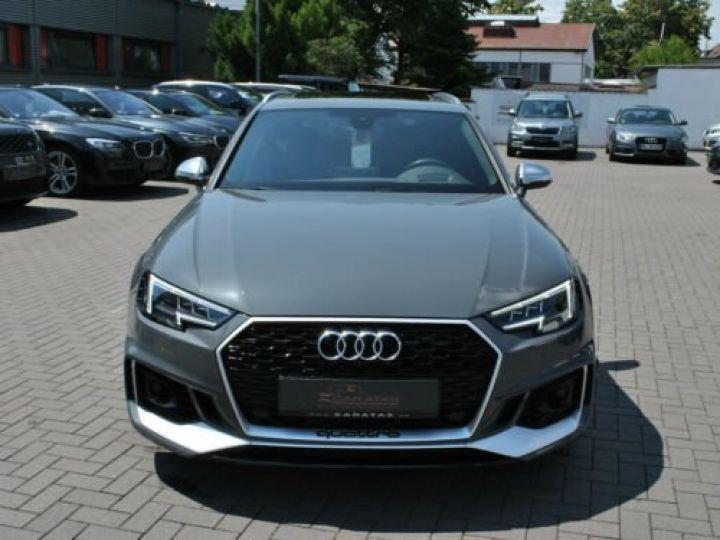 Audi RS4 Gris - 2
