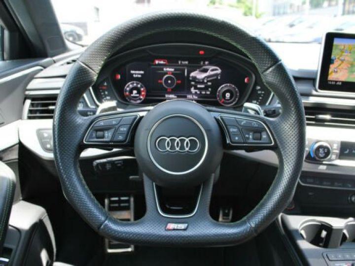 Audi RS4 Gris - 11