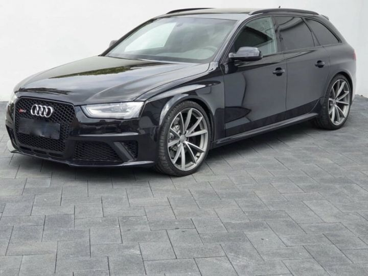 Audi RS4 4.2l FSI Quattro noir - 1