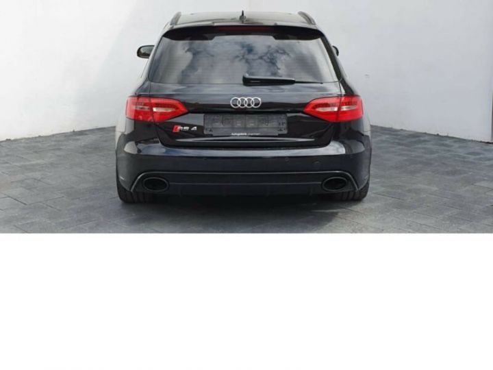 Audi RS4 4.2l FSI Quattro noir - 5