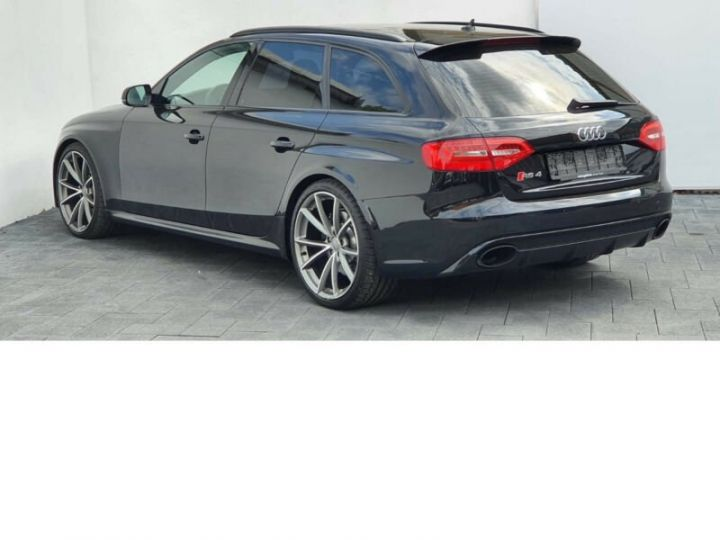 Audi RS4 4.2l FSI Quattro noir - 6