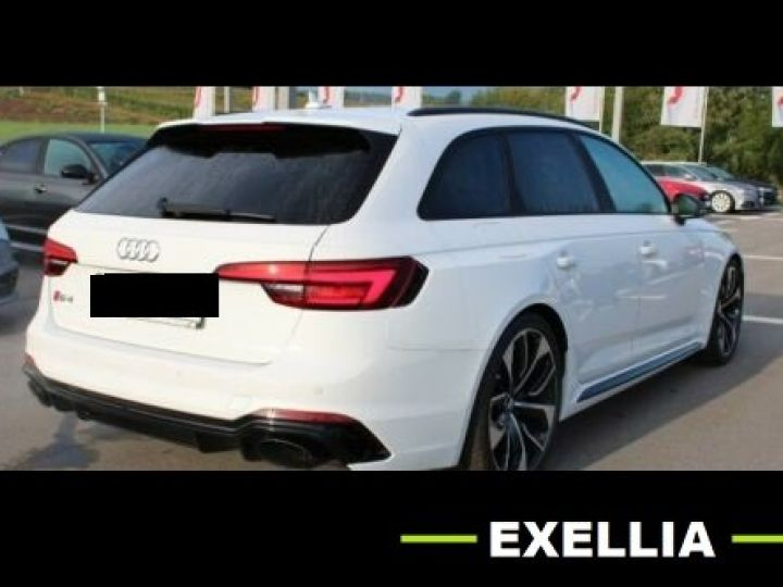 Audi RS4 Audi RS 4 Avant BlackEdition VMAX SportAGA Matrix HUD BLANC METALISEE Occasion - 3