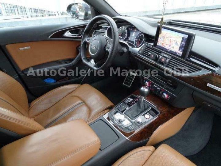Audi RS6 gris - 9