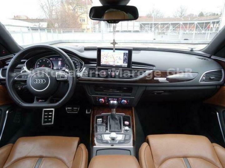Audi RS6 gris - 11