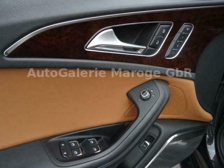 Audi RS6 gris - 12