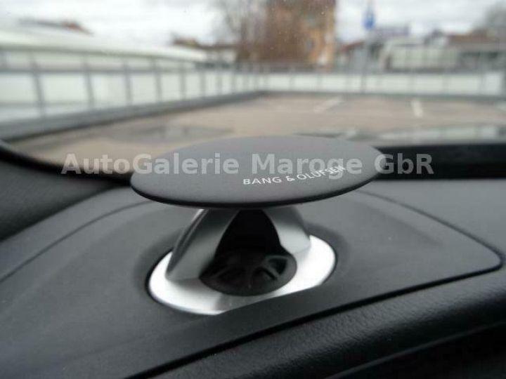 Audi RS6 gris - 15